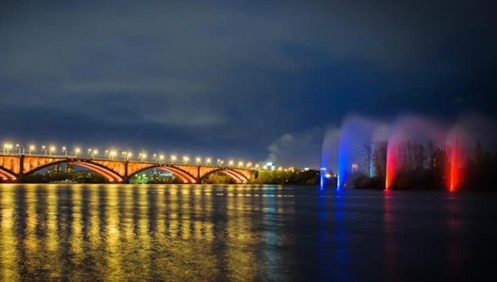 Фонтан с подсветкой запустят в русле Енисея в день открытия Универсиады