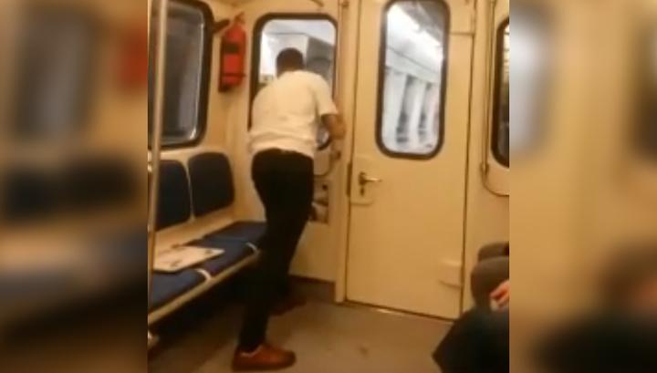 Появилось видео отцепившегося вагона во время сбоя на Большой кольцевой линии photo