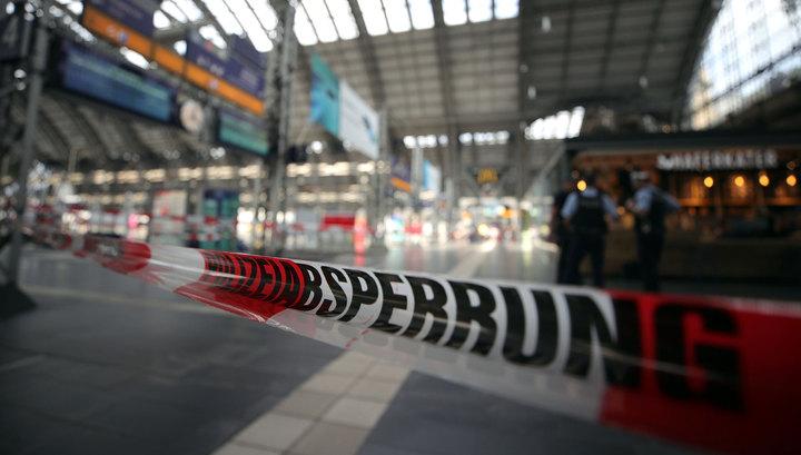 Подробности трагедии в Германии: ребенка толкнули под поезд вместе с матерью
