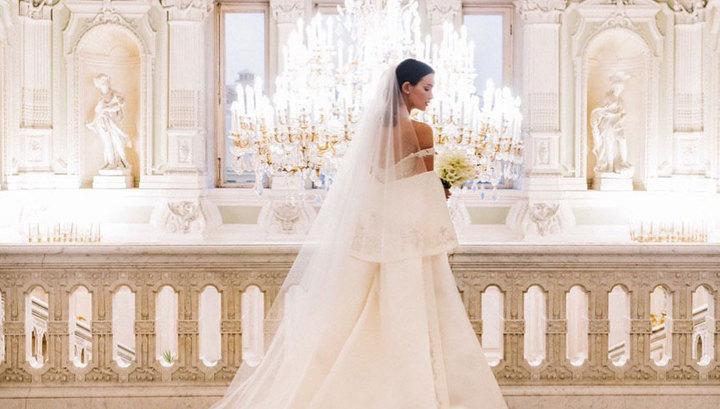 Паулина Андреева опубликовала фото в роскошном свадебном платье