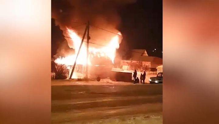 Взрыв в пылающем гараже унес жизнь мужчины в Башкирии