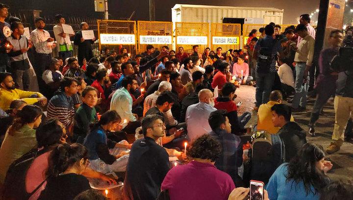 В Индии начались массовые студенческие протесты после нападения на университет в Нью-Дели