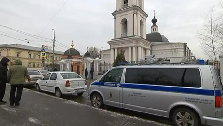 Напавшего на прихожан московского храма арестовали до 16 апреля