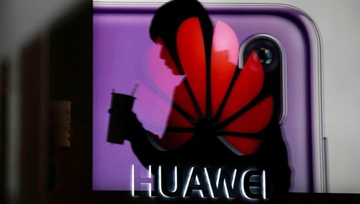 Huawei и Xiaomi согласились предустанавливать российские приложения