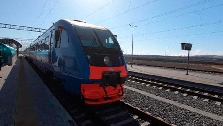 Рельсобусы на Крымском мосту: от Керчи до Анапы теперь можно доехать за 2 часа