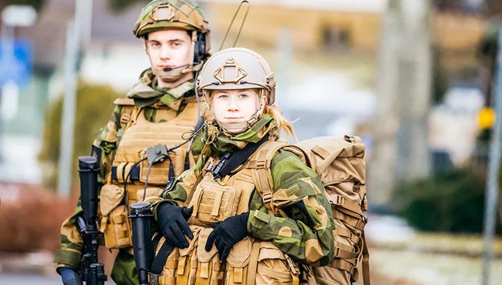 Финский оборонный эксперимент: мужчин и женщин поселят в одной казарме