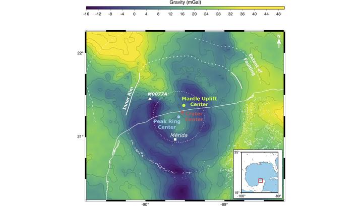 Гравитационная карта показывает асимметрии в кратере Чиксулуб, которые указывают на угол падения астероида. Иллюстрация Gareth Collins/Imperial College London.