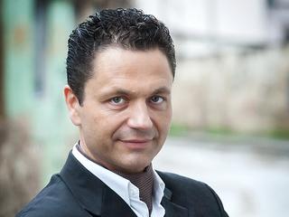 Юстас Дварионас