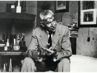 Джоржо Моранди в мастерской. Ок. 1950г. © Ansa / Archivi Fratelli Alinari, Firenze. Фото ГМИИ им. Пушкина