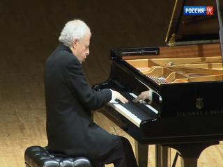 Знаменитый пианист Андраш Шифф дал концерт в столице