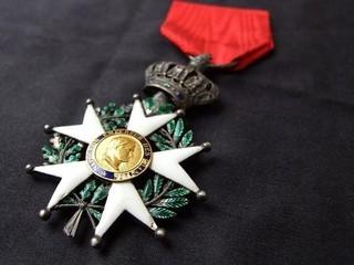 Клода Лелуша и Мишеля Буке наградили Орденом Почетного легиона