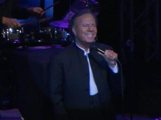 Хулио Иглесиас даст единственный концерт в России в рамках юбилейного турне