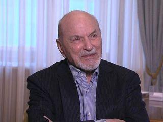Владимир Минин принимает поздравления с 90-летием