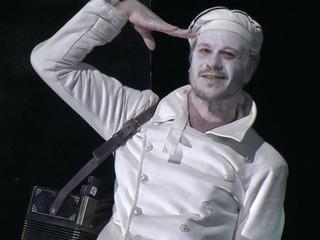 В Александринском театре показали спектакль «Оптимистическая трагедия. Прощальный бал»