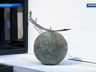 В центре Михаила Шемякина в Петербурге открылась выставка «Лестница в сознании, быту и искусстве»