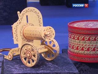 В Коломенском в Москве открылась выставка старинных елочных игрушек