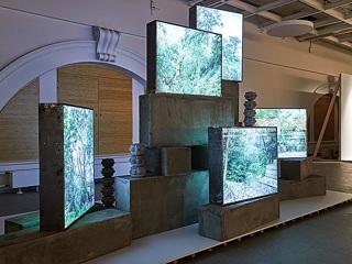 Выставка живописных работ и личных вещей Виктора Цоя откроется в Санкт-Петербурге