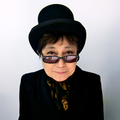 В Москве открывается выставка работ Йоко Оно