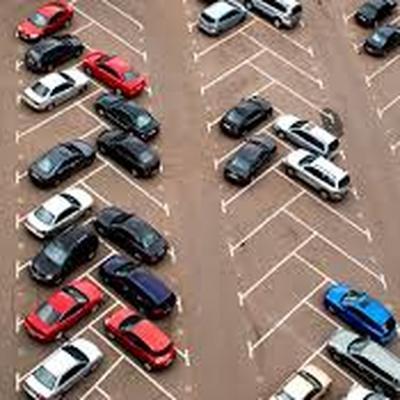 Потерянный шотландцем на парковке автомобиль нашли через полгода