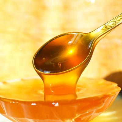 Из-за холодного лета и дождливой погоды в России производство мёда упало более чем на 50%