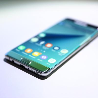 Фото секретного флагмана Samsung подтвердило: iPhone 8 не будет первым