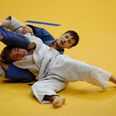 Российские дзюдоисты завоевали золото в соревнованиях смешанных команд