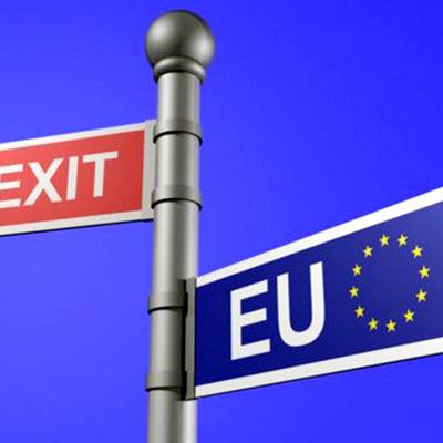 Каждый 10 британец подготовил запас еды и лекарств накануне выхода страны из ЕС