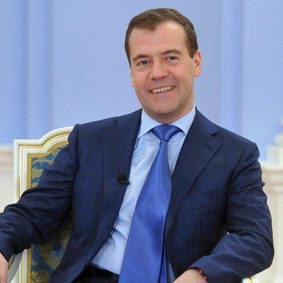 Дмитрий Медведев поздравил Олега Кожемяко с предварительной победой на выборах