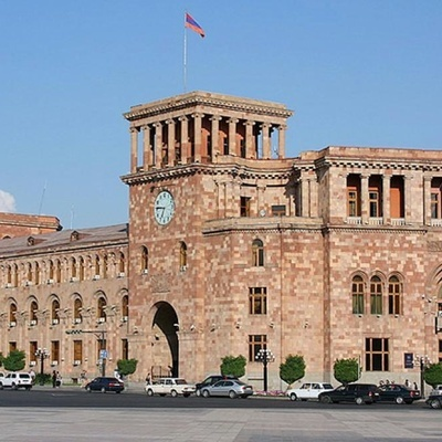 Армянская оппозиция перенесет свой митинг к зданию правительства