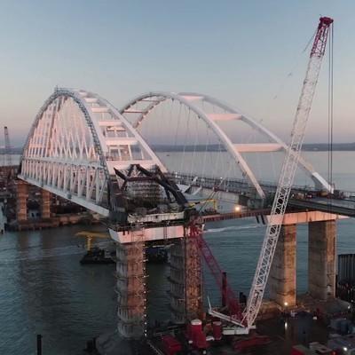 По Крымскому мосту проехало более 100 тысячтранспортных средств