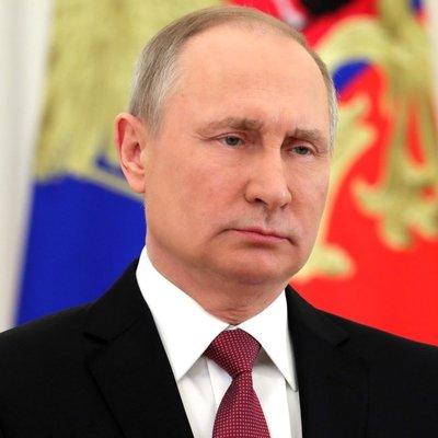 Путин обсудил с Совбезом России отношения РФ и Украины