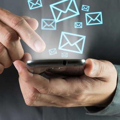 С 2020 года судебным приставам могут дать возможность посылать должникам СМС
