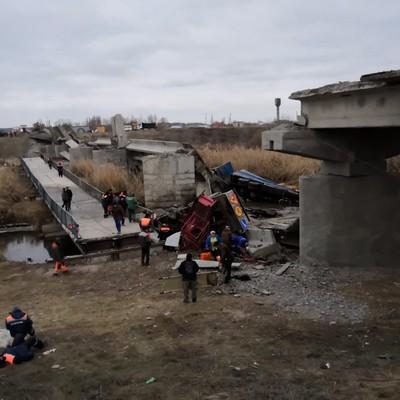 6 человек пострадали при обрушении автомобильного моста в Воронежской области