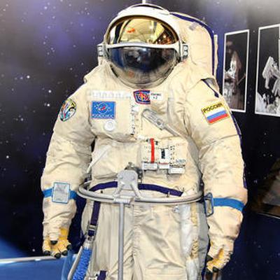 Уже несколько часов продолжается выход в открытый космос Олега Кононенко и Сергея Прокопьева