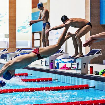 Российский пловец Владимир Морозов финишировал первым на 100-метровке