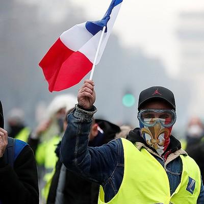 Более 10 тысяч человек участвуют в протестных акциях