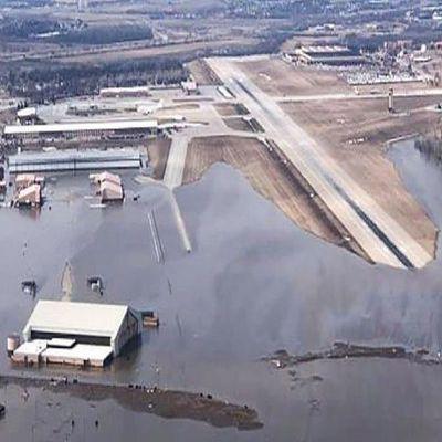 В штате Небраска затопило базу ВВС