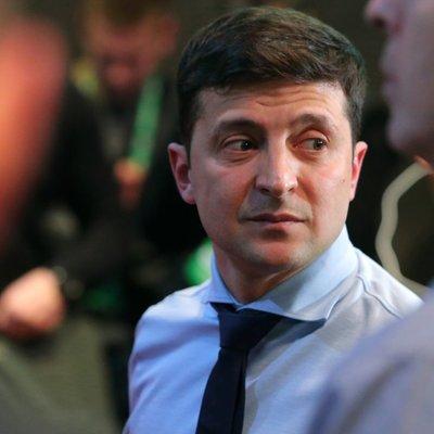 Зеленскому выписали штраф за демонстрацию заполненного бюллетеня