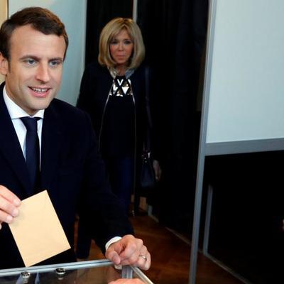 Макрон принял участие в выборах в Европарламент