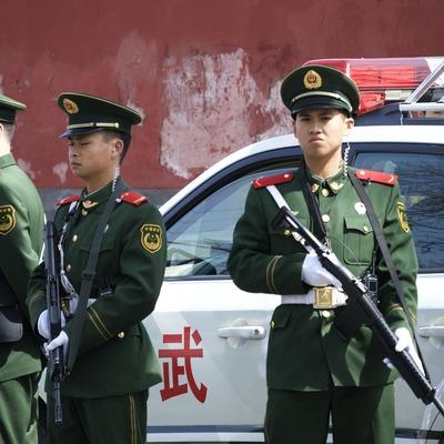 Китайские полицейские обнаружили очень крупную партию взрывчатки