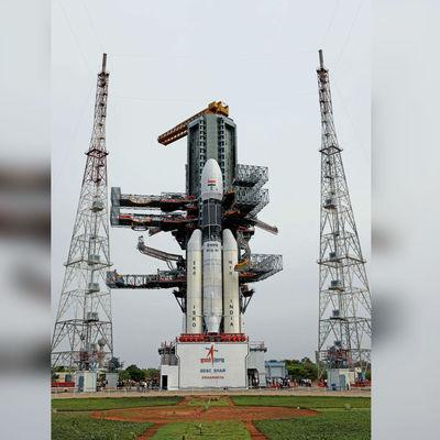 Индия запустила к Луне космический аппарат