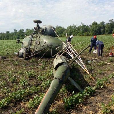 Пилот вертолета Ми-2, потерпевшего в субботу крушение, не выдержал высоту полета