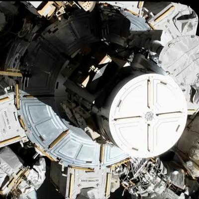Трамп поздравил астронавтов НАСА с первым парным женским выходом в открытый космос