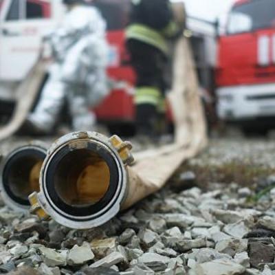 Один человек погиб и трое спасены при пожаре в высотке на севере Москвы