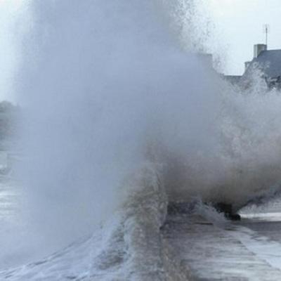 Мощный ураган обрушился на Новороссийск
