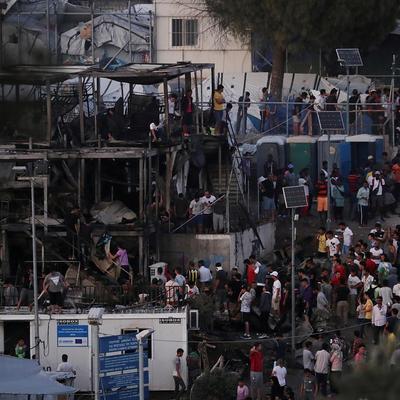 Греция закроет три центра приема мигрантов на островах и создаст новые на 18 тысяч человек