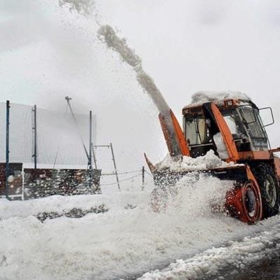 Спасатели в Индии пришли на помощь сотням застрявших в снегу людей