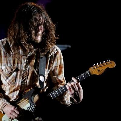 В Red Hot Chili Peppers возвращается гитарист Джон Фрушанте