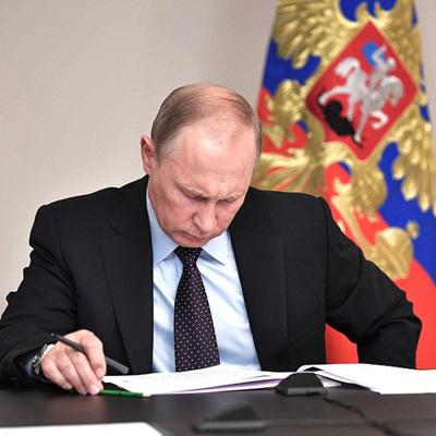 Путин: экономика России не выйдетбез потерь изнынешнего кризиса