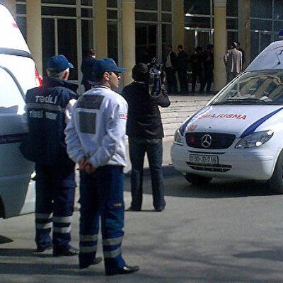 Двух человек госпитализировали в Азербайджане с подозрением на коронавирус